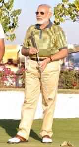 narendra_modi_golf_20130422