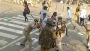 lathicharge on workers_0