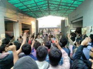 OccupyUGC-at-Bhalaswa-police-station-2