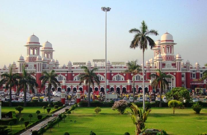 Lucknow Station.jpg